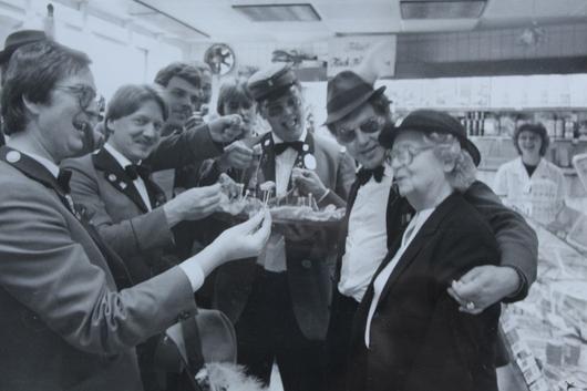 Harb. Schützengilde singt bei Mimi 1980